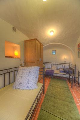 Schlafzimmer II mit zwei Einzelbetten