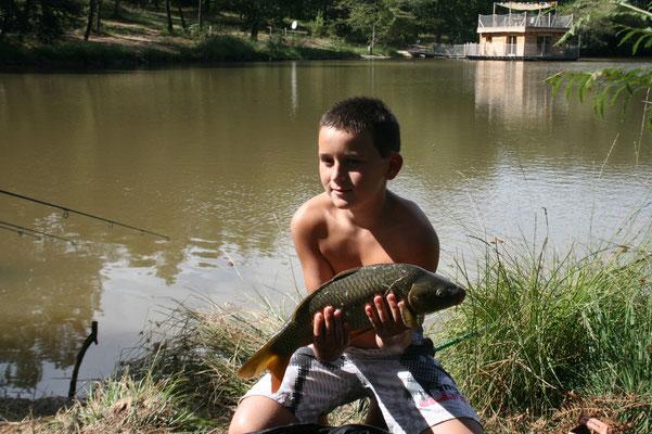 Pêche avec cabane flottante dorodgne perigord