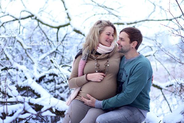 Schön Fotografie Schwangerschaft Shooting Schnee Brandenburg