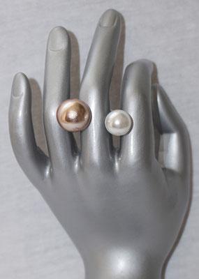 Rose Mattgold mit Perle