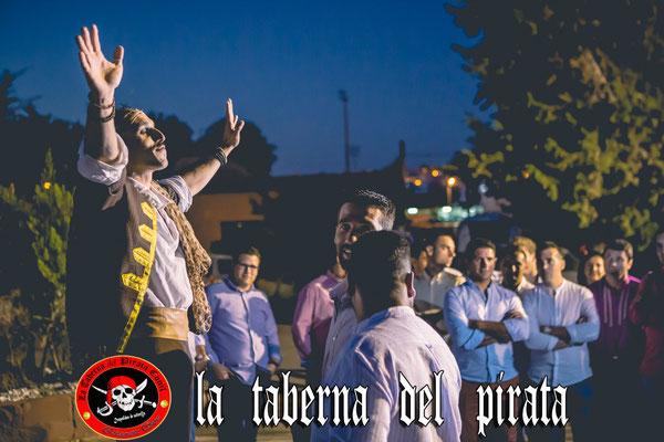 Hall de entrada en la taberna del pirata en Chiclana de la frontera
