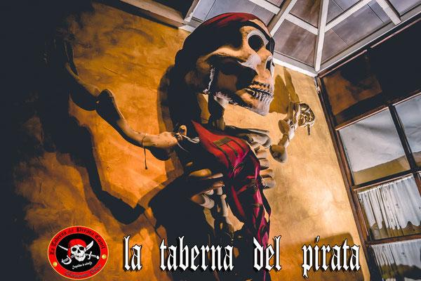 Carabela entrada en la taberna del pirata en Chiclana de la frontera