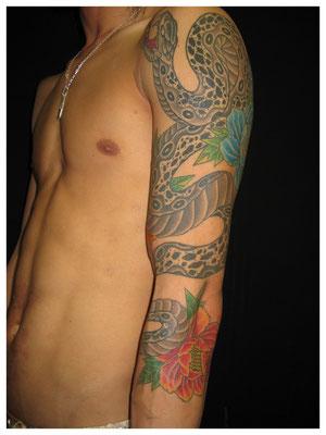 蛇の刺青、和彫り