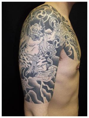 雷神の刺青、和彫り
