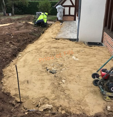 préparation de la terrasse avant la pose des dalles en grès cérame