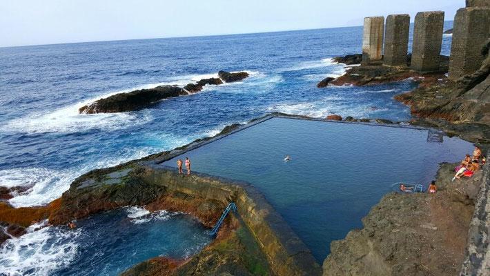 Der Atlantik ist wild, wer baden will muss wissen wo