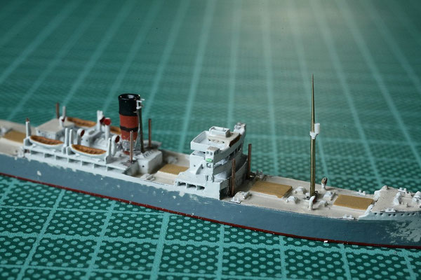 weitere Fortschritte bei der Port Dunedin, die Masten sind weiter detalliert und neue Poller an Bord
