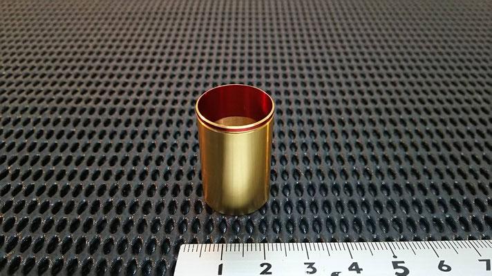 素材: アルミ(A6063) 加工: 旋盤加工、アルマイト処理 (2色、ゴールド&レッド)  【山崎製作所】