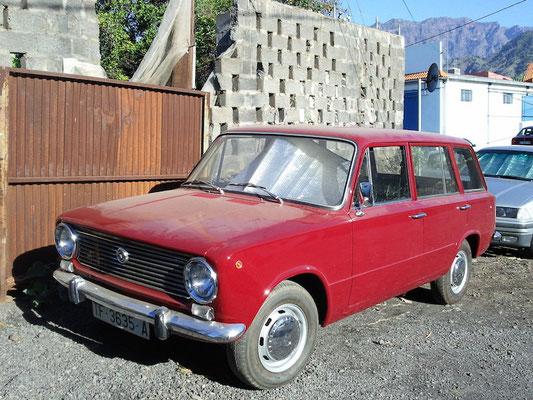 SEAT 124 Kombi (5 puertas familiar), 1972