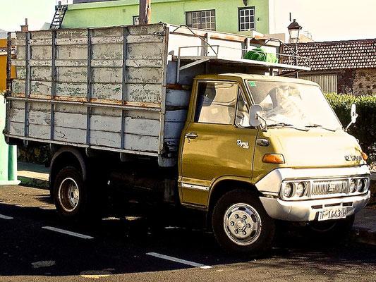 Toyota Dyna, U10 Serie,  1969–1977, 1977