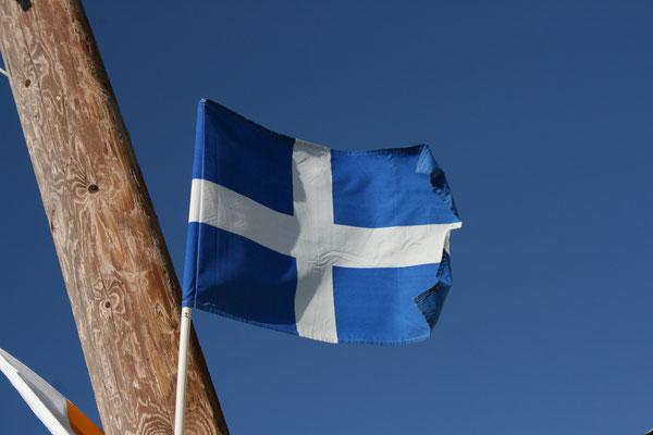 Alte griechische Nationalflagge, gesehen auf Zypern, 2008.