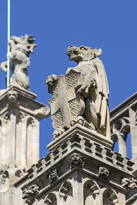 """""""The King's Beast"""" - Der Drache als Schildhalter des englischen Wappens mit dem Georgskreuz, Bekrönung der St.-Georgs-Kapelle, Windsor, erste Hälfte 16. Jahrhundert"""