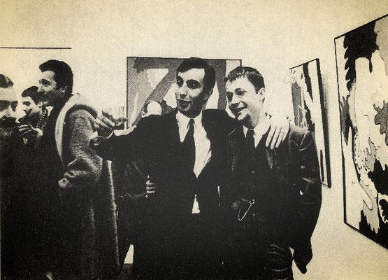 Ausstellung in der Galerie Katz - Benjamin Katz (links), 1966