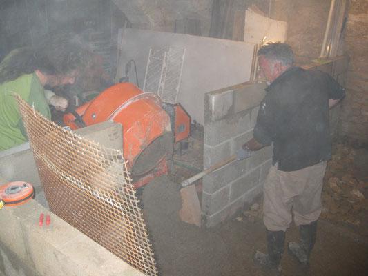 un bout de dalle avec beau papa au niveau de la zone de fabrication
