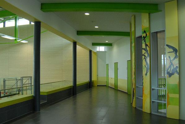 Schönbrunnenhalle Essingen, Zugang mit Sportpiktogrammen