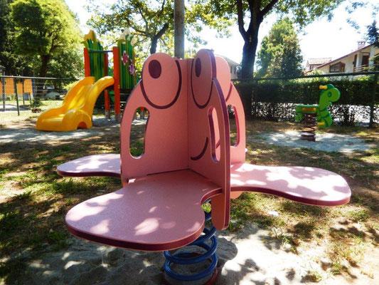Polpetta gioco a molla Comune di Pieve del Cairo (Pavia) giochi per parco Stileurbano attrezzature per parco giochi