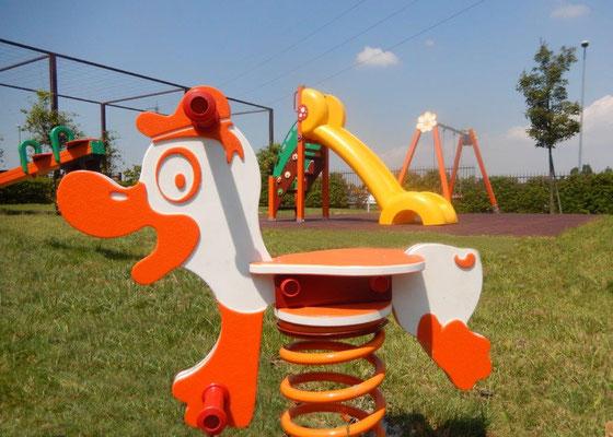 condominio San Giuliano Milanese MI giochi per parco Stileurbano attrezzature per parco giochi Paperotto gioco a molla