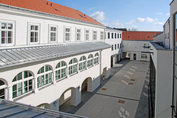 Kranz | Rathaus, Bruck an der Leitha