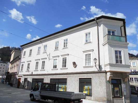 Kranz | Raiffeisenbank, Hallein