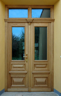 Kranz | Zweiflügelige Haustüre mit Glasfüllung