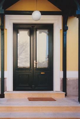 Kranz | Haustüre mit Holz- und Glasfüllung