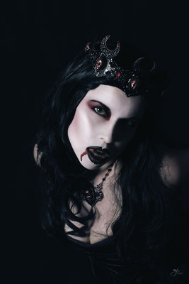 Queen of Darkness III