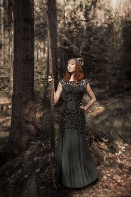 Queen of the Forest I