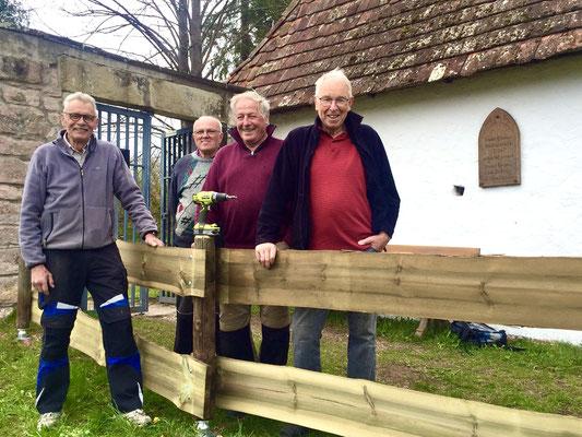 Zufriedene Truppe nach getaner Arbeit: Bernd Storch, Kurt Kirschenmann, Gerhard Kirschenmann, Heinz Würfele.