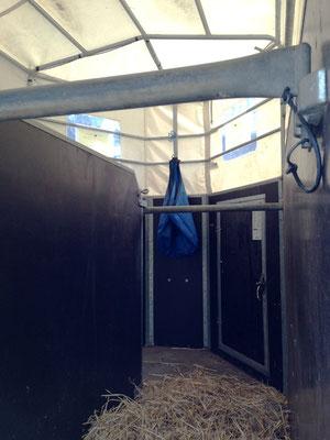 Heunetz und Stroh für den Pferdetransport auf Anfrage