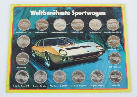 Verzamelkaart met penningen van sportwagens uit 1907 tot 1970, uitgegeven door Shell.