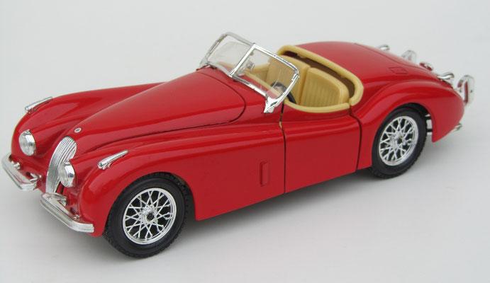 Jaguar XK 120, 1948, Burago, schaal 1:24.