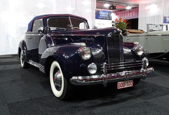 Packard 120 2-doors uit 1941. (Interclassics Maastricht 2020)