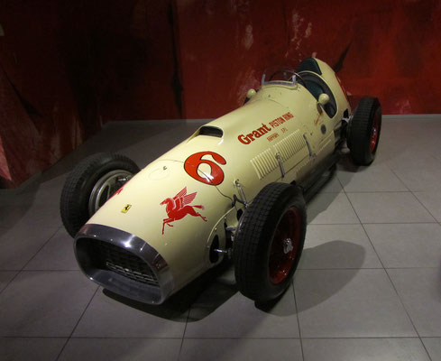 Ferrari 375 Indianapolis uit 1952. (Louwman Museum in Den Haag)