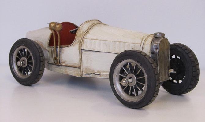 Decoratieve racewagen.