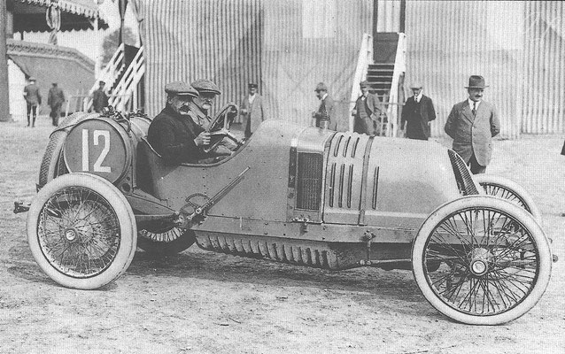 Een Th. Schneider 18 CV, klaar voor een race.