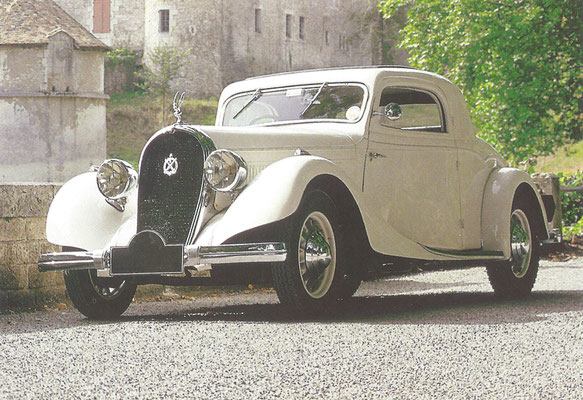 Een Hotchkiss 615 Coupé Basque uit 1935.