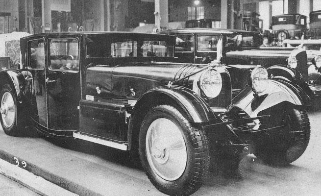 "Voisin Berline surbaissé C20 ""Simoun"" V12 op de Salon Parijs 1930."