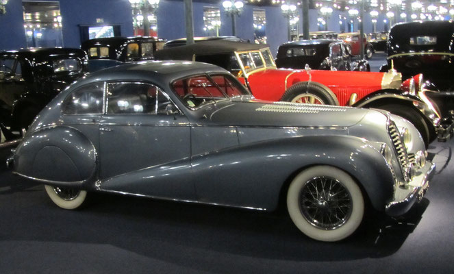 Delahaye Coach 135M uit 1949 (Collection Schlumpf).