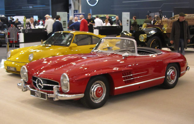 Mercedes-Benz 300 SL Roadster uit 1963. (Techno Classica Essen 2019)