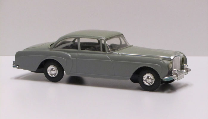 Bentley S2 Continental Coupé by H.J. Mulliner & Co, 1962. Made in Hong Kong by TAT, NO. 707.