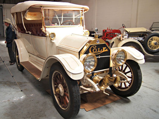 Cole 4-Door Touring Car uit 1913/1914.