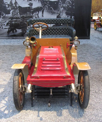 Darracq Tonneau Type L uit 1903 (Collection Schlumpf).