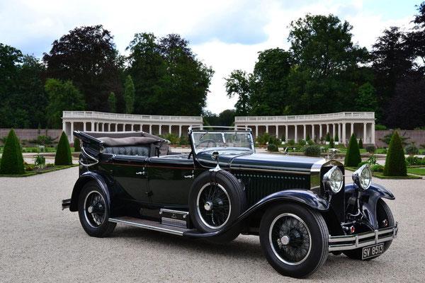 Hispano-Suiza 1929 Cabriolet de Ville Green 6597 CC, winnaar van het Concours d'Elegance 2014 op Paleis Het Loo.