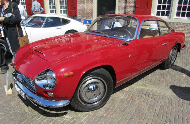 Lancia Flaminia Super Sport uit 1965. (Concours d'Élégance 2016 op Paleis Het Loo in Apeldoorn)