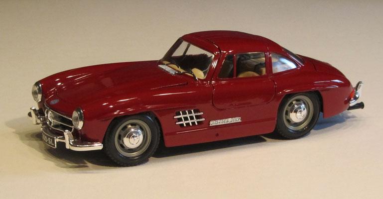 Mercedes 300 SL, 1954, Burago schaal 1:18.