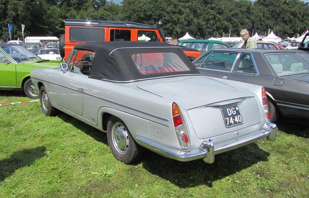 Een Fiat 2100 Viotti uit 1960.