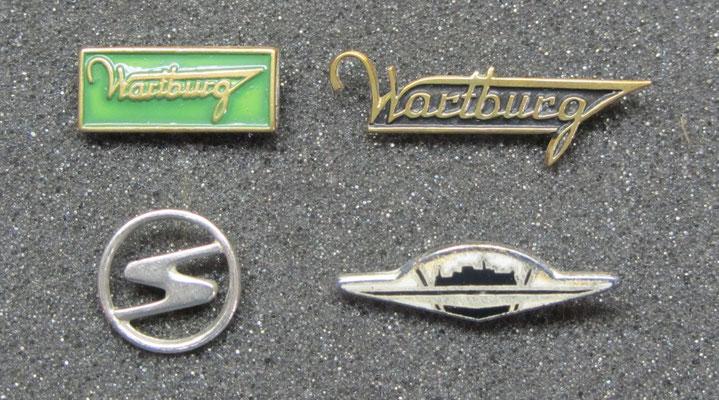 Wartburg en Trabant speldjes, het speldje rechtsonder is geëmailleerd.