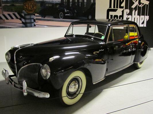 Een Lincoln Continental Coupé uit 1941, te zien in het Louwman Museum in Den Haag.