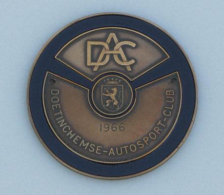 Embleem uit 1966 van de Doetinchemse Autosport Club.