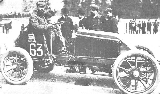Renault Marcel vóór de fatale race Parijs-Madrid 1903.